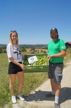 Gründerin Katja mit einem der Landwirte
